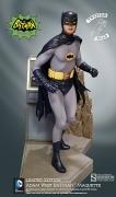 TweeterHead BATMAN To The BATMOBILE Diorama MAQUETTE Statue