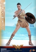 Hot Toys WONDER WOMAN Training Armor 1/6 FIGURE