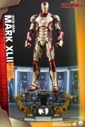 Hot Toys MARK XLII Quarter Scale IRON MAN 1/4 Figure DELUXE
