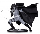 DC Black & White BATMAN Ivan Reis STATUE