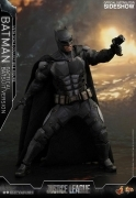 Hot Toys BATMAN TACTICAL BATSUIT Justice League 12
