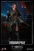Hot Toys T-800 TERMINATOR Battle Damaged DX-13 FIGURE 12