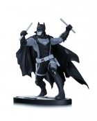Batman EARTH 2 Black & White STATUE
