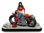 DC Collectibles WONDER WOMAN Gotham City GARAGE Statue